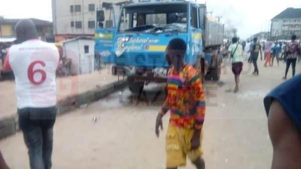 Truck crushes people in Benin